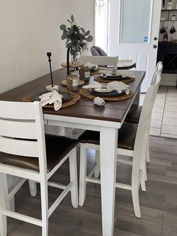 Dining table for Sale in Azusa,  CA