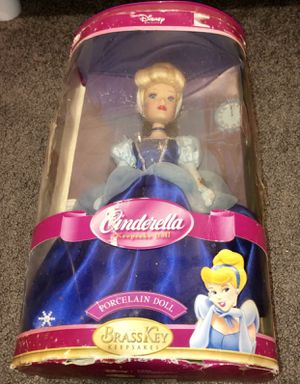Disney Cinderella Brass Key Porcelain Doll 2004 for Sale in Stoughton, MA