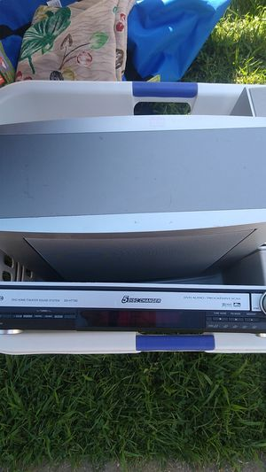 5-disc DVD player Panasonic for Sale in St. Louis, MO