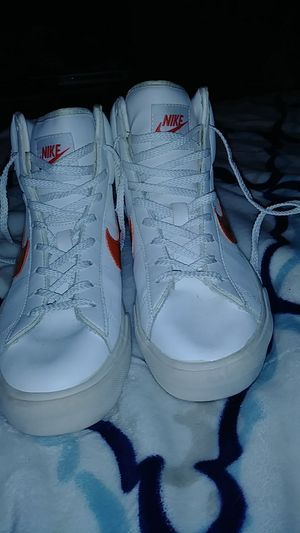 Nike size 8. for Sale in St. Louis, MO