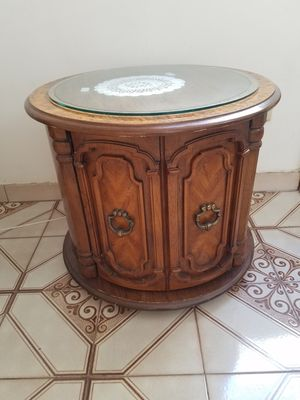 2 end tables for Sale in Brooklyn, NY