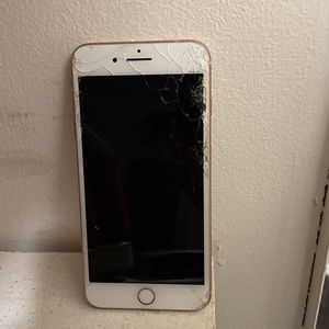 iPhone 8 Plus for Sale in Sterling Heights, MI