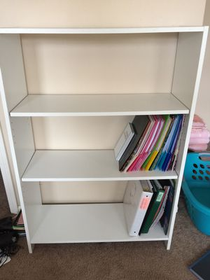 White 3 Shelves Bookcase for Sale in Sherwood, AR