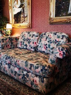 Floral Couch for Sale in Stanwood,  WA