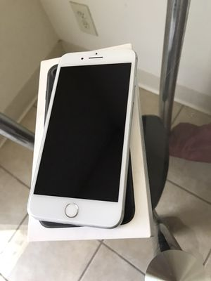 iphone 7 plus 32GB UNLOCKED for Sale in Fresno, CA