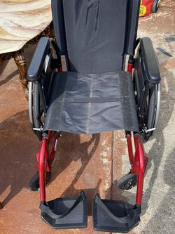 Breezy Manual Wheelchair for Sale in Fremont,  CA
