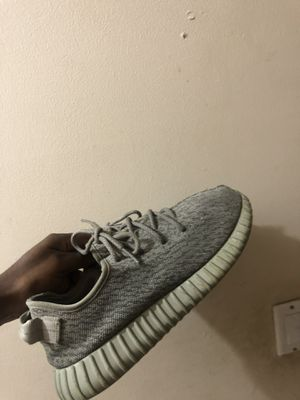 Moonrock yeezy 350 size 10 for Sale in Miami, FL