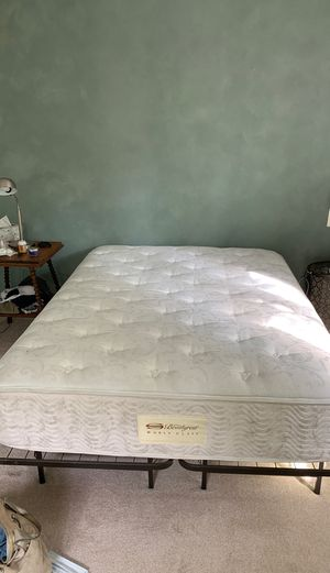 Free Simmons Queen Mattress for Sale in Arvada, CO