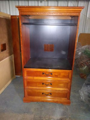 TV STAND WITH 3 PULL OUT DRAWERS for Sale in Orlando, FL