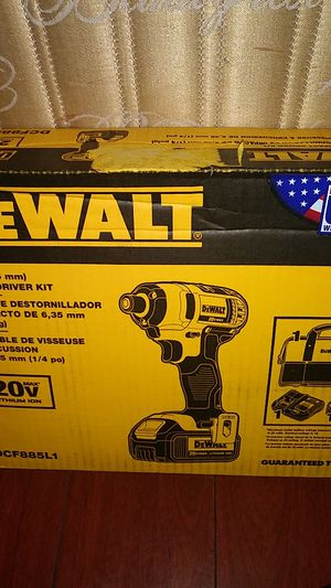Dewalt 1/4 Impact driver kit for Sale in Huntington Beach, CA