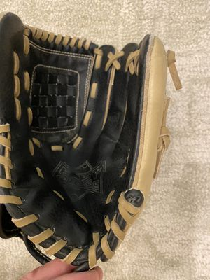 Kids Baseball Glove for Sale in Mill Creek, WA