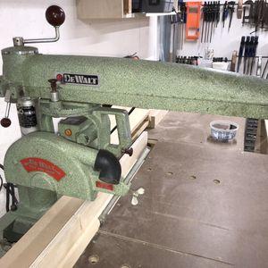 Vintage DeWalt Radial Arm Saw for Sale in Fresno, CA
