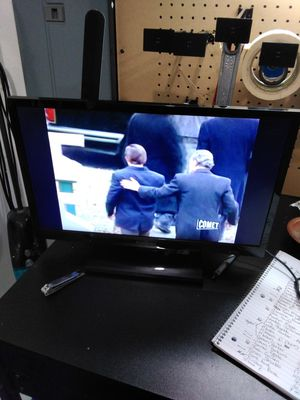 """Insignia 13"""" tv for Sale in Holts Summit, MO"""