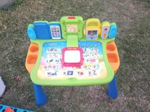 Kids toddler Learning desk vtech for Sale in Kissimmee, FL