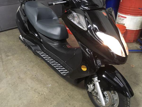 Lintex 150 Scooter