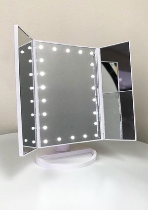 """NEW $20 Tri-fold LED Makeup Mirror 13.5""""x9.5"""" for Sale in Downey, CA"""
