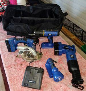 Master Mechanics Tool Set for Sale in Pleasant Hill, IA