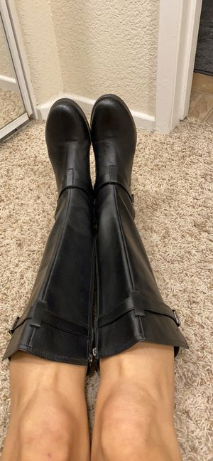 Low heel leather boots for Sale in San Diego, CA