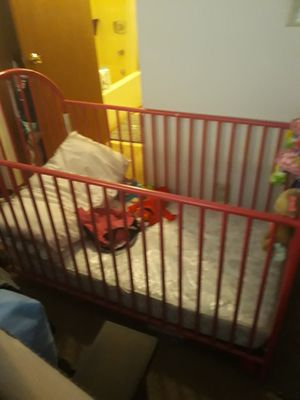Girl baby crib for Sale in Indianapolis, IN
