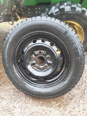 3 tires on rims (no studs) for Sale in Woodinville, WA