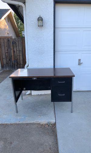Metal Desk for Sale in Clovis, CA