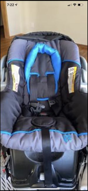 Baby trend car seat and base for Sale in Spokane, WA
