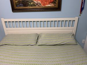 King bed frame for Sale in Hialeah, FL