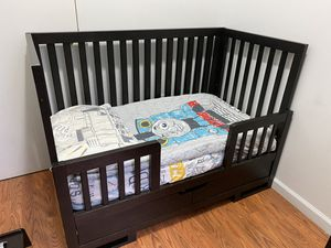 Crib/Toddler and Changing Table/Dresser for Sale in Brooklyn, NY