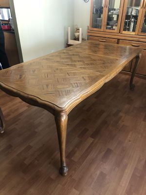 Dining Room Table (with extendable insert) for Sale in El Cajon, CA
