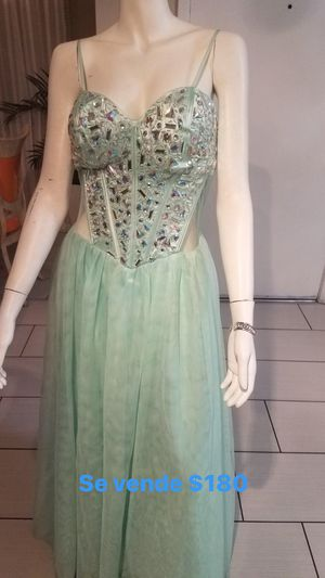Gown/ Long Dresses for weddings or prom for Sale in Las Vegas, NV