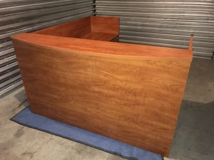 L-Shaped Cherry Laminate Reception Desk w/Drawers for Sale in San Jose, CA