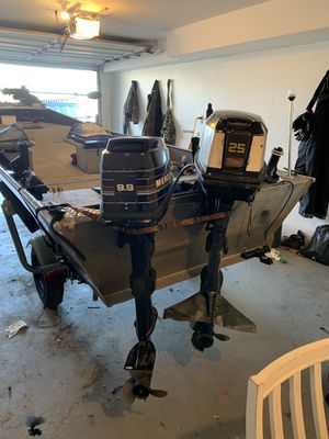 Evinrude 25 and Mercury 9.9 for Sale in Kennewick, WA