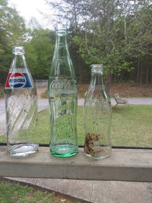 Antique Pepsi, & Coke bottles. for Sale in Seneca, SC