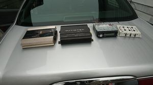 Pyramid autotek dual pyramid for Sale in Cleveland, OH