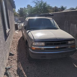 S10 2001 Clean Title for Sale in Avondale, AZ