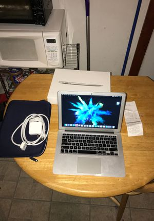 MacBook Air 2017 126gig for Sale in Chicago, IL