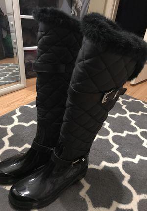 BRAND NEW MICHAEL KORS Rain/Snow Boot! Size 8 for Sale in Boston, MA
