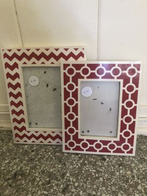 Set of 2 Picture Frames for Sale in Tampa, FL
