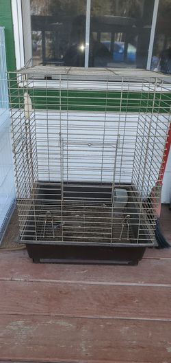 Small Parrot or Cockatiels Cage for Sale in Kingsburg,  CA