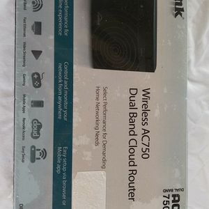 new D-Link wireless AC 750 router for Sale in Brooksville, FL