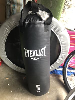 Everlast Heavy Bag 100 LB Punching Bag for Sale in Newport Beach, CA