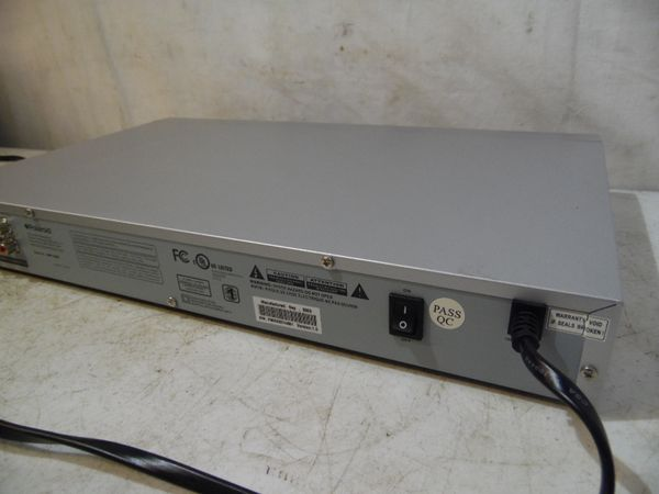 Polaroid DVP-1000 DVD Player Digital Video Disc Player DVD/CD/MPE/PHOTO CD Works