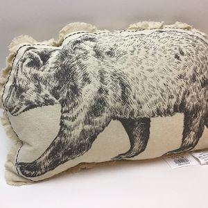 Bear pillow Decor *New for Sale in Lynnwood, WA