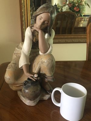 Lladro Big Figurines for Sale in Tustin, CA