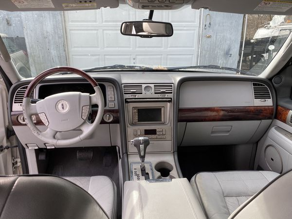 2006 Lincoln Navigator full packages