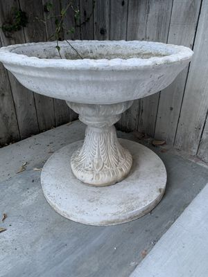 Beautiful bird feeder/fountain! for Sale in Chino, CA