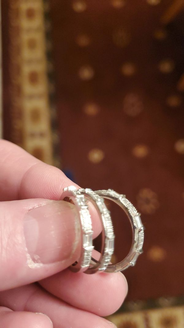 Beautiful 3 diamond bands set in white gold size 7