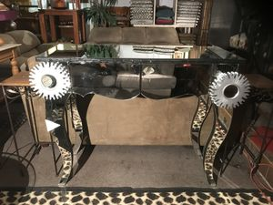 Abstract Design Beveled Mirror Console Table for Sale in Las Vegas, NV