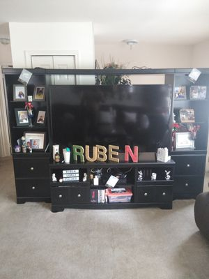 60 inch flat screen and black wall unit for Sale in Evesham Township, NJ