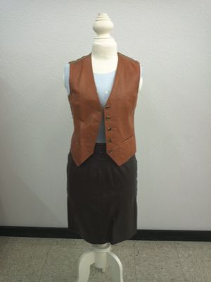 Vintage Brown Leather Skirt for Sale in Ruskin, FL